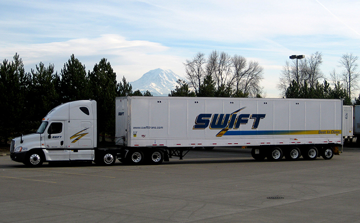 Swift Trucking Reviews >> Truck Driver Job With Training Cdl Career Now Swift